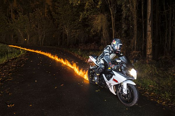 kevlar-fire-lightpainting-1_6.jpg